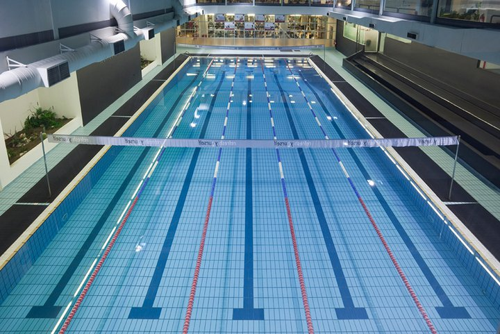 swimming-pool-holmes-place-maroussi