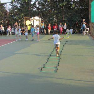 tenis-dhmotiko-kolymvhthrio-amarous-3