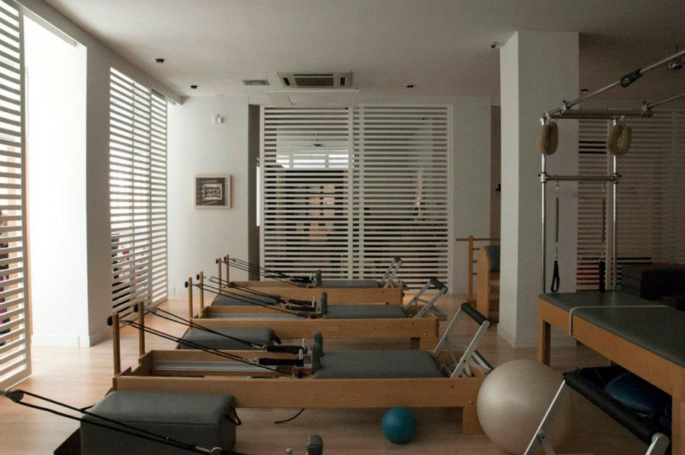 mind & body pilates studio khfisia reformer