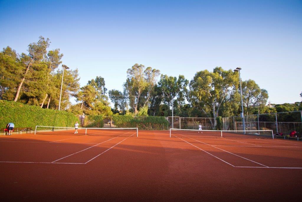 kavouri tennis court