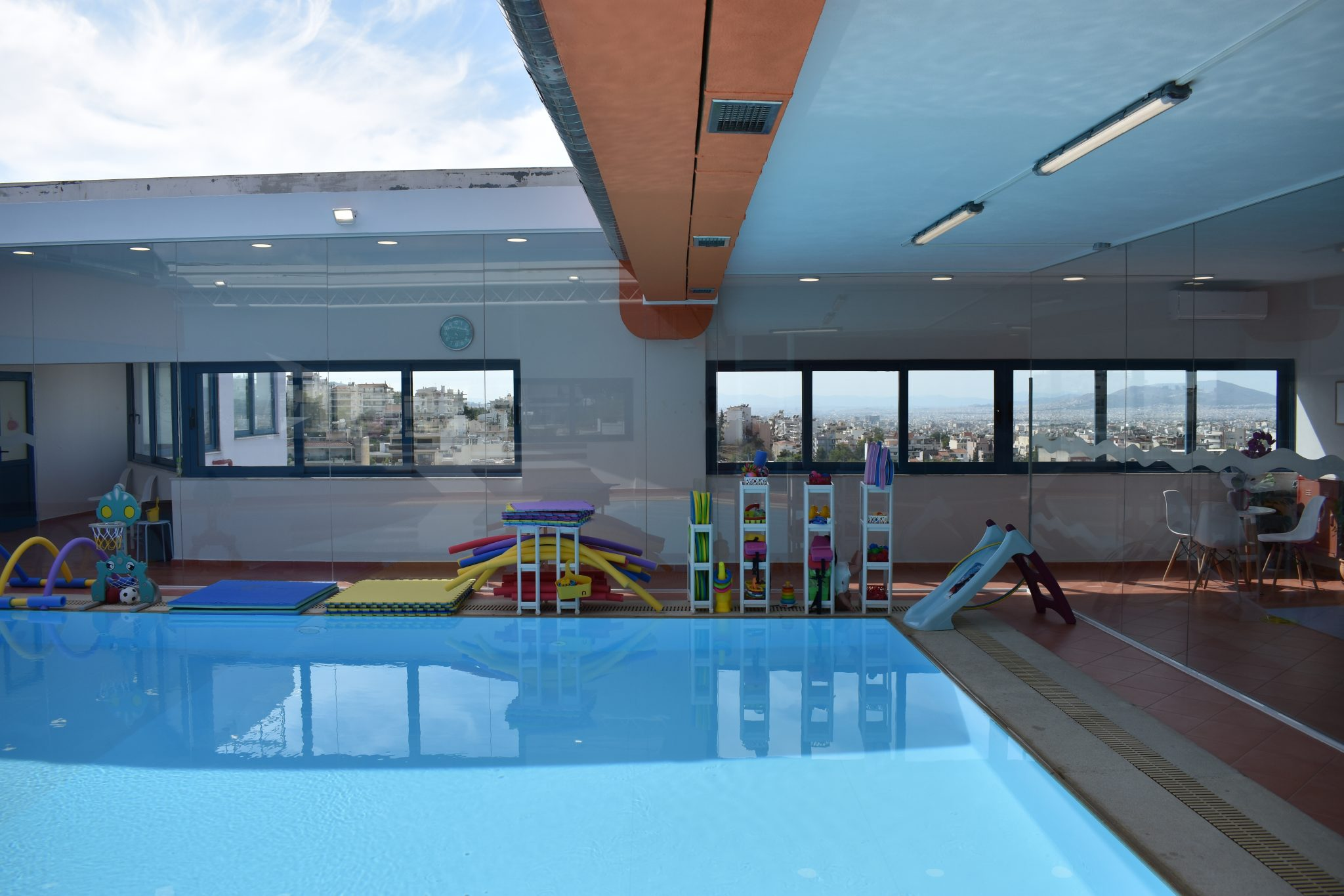 littlesubmarine-open-roof